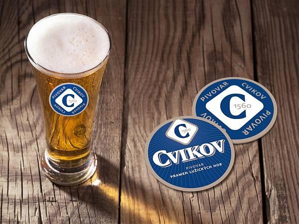 cvikov-pivovar-sklenice-logo-tacek-pivo-obova-studie-1402_denik-600